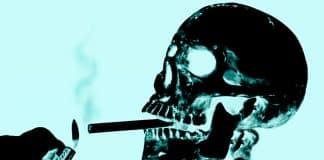¿Es mejor dejarlos fumar y morir?