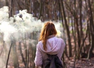 El uso diario de cigarrillos electrónicos muestra un 'claro beneficio' para ayudar a los fumadores a dejar de fumar