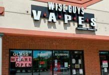 Para aumentar las tasas de tabaquismo entre los adultos jóvenes, siga aumentando los impuestos a los cigarrillos electrónicos