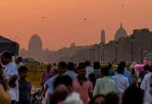 Michael Bloomberg cambia la política de salud de la India