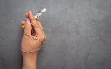 Nueva evidencia expone los perjuicios de la prohibición para fumar (y vapear) en tratamientos de rehabilitación